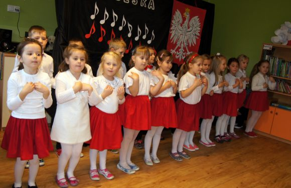 """""""Kocham Polskę"""" – Przegląd Pieśni Patriotycznej"""